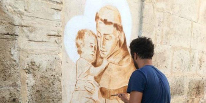 Thánh Antôn với nghệ thuật vẽ trên tường