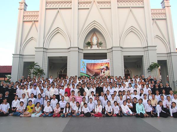 Dòng Mến Thánh Giá Cái Mơn : Khóa tìm hiểu ơn gọi