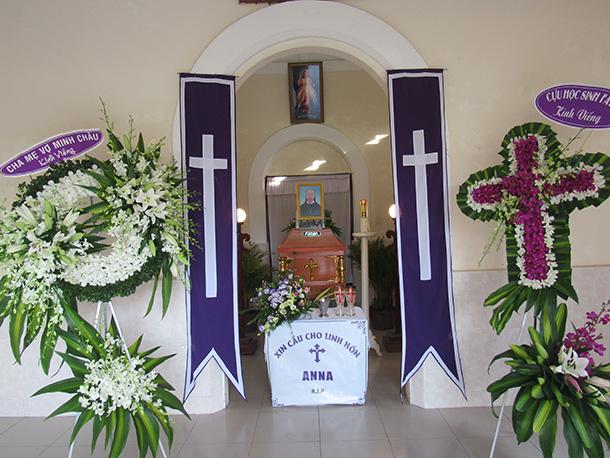 Dòng Mến Thánh Giá Cái Mơn : Lễ An Táng Dì Anna Nguyễn Thị Kim Anh