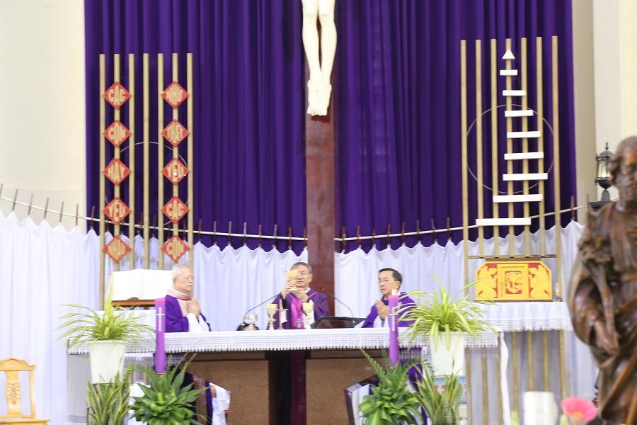 Nhà thờ Chánh Tòa Vĩnh Long: Thánh Lễ An táng Cha Augustino Nguyễn Đức Nhân