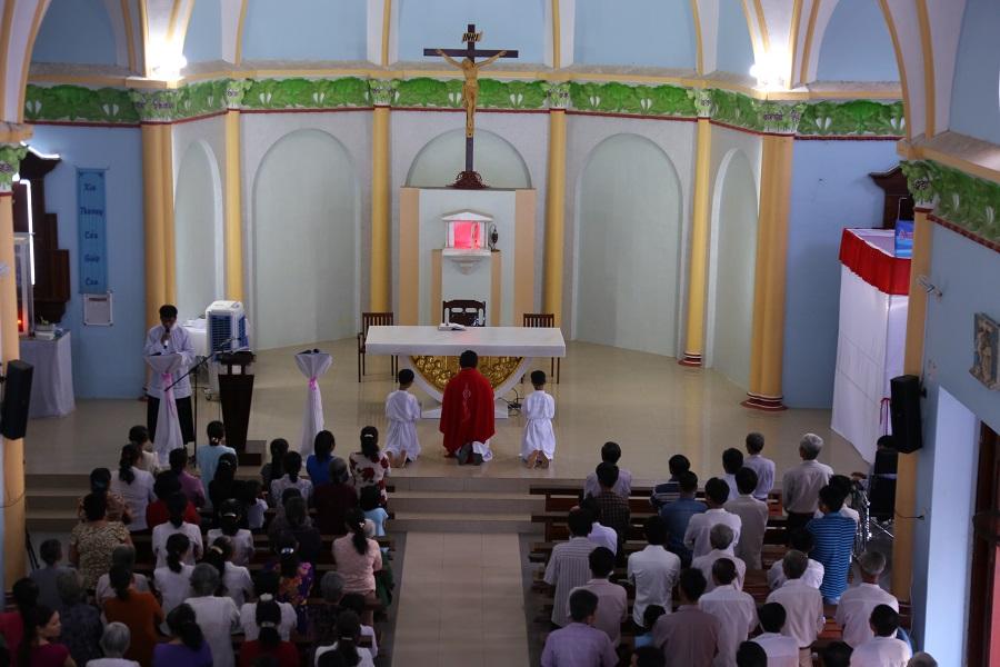 Họ đạo La Mã : Nghi thức thứ Sáu Tuần Thánh