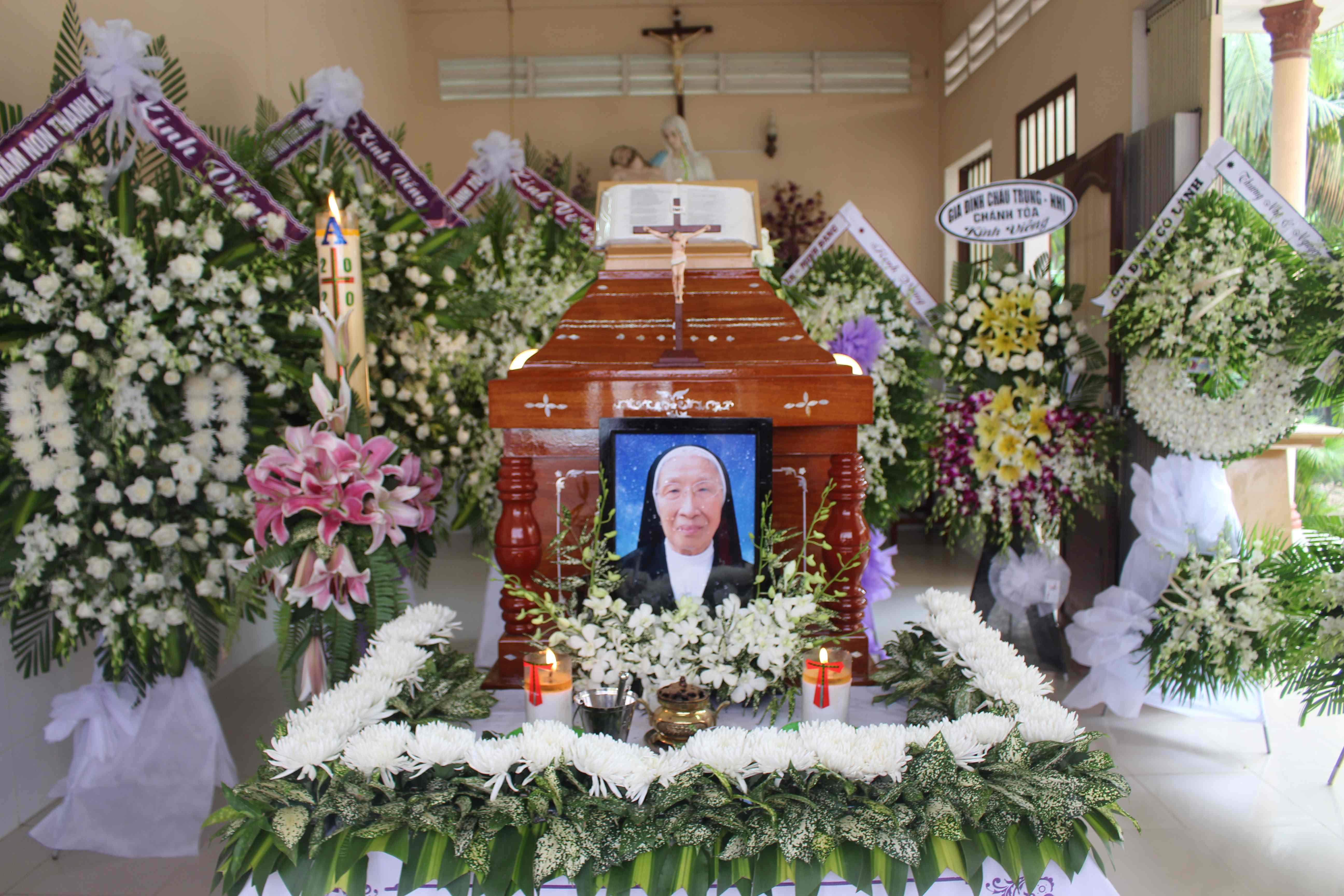 Lễ an táng Dì Maria Phan Thị Hiếu