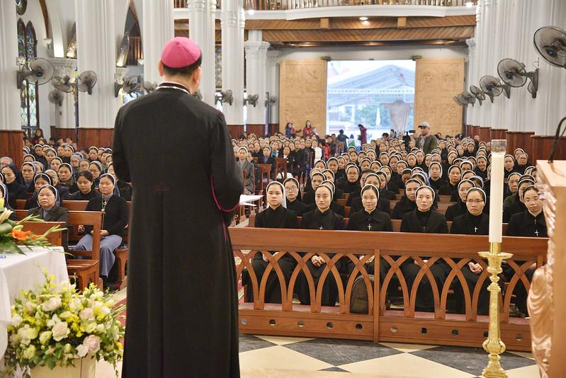 Tổng Giáo Phận Hà Nội  khai mạc tháng nên thánh dành cho tu sĩ
