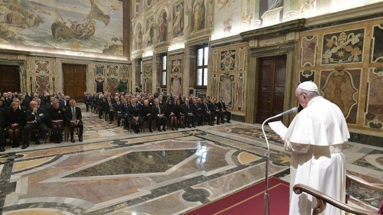 Đức Thánh Cha tiếp các thành viên Quỹ Công chứng quốc gia của Ý
