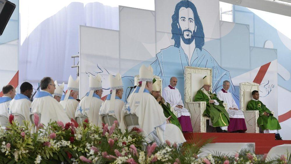 Thánh lễ bế mạc Ngày Quốc Tế giới trẻ