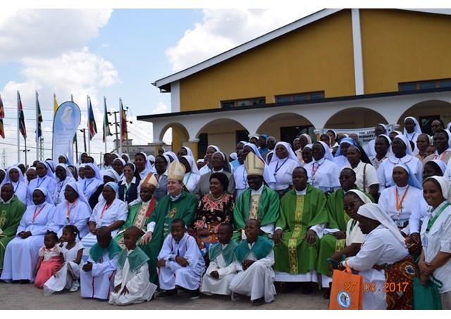 Gia đình, cái nôi của ơn gọi linh mục và đời sống thánh hiến