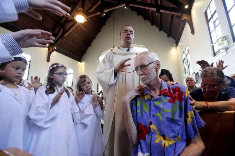 Linh mục Dòng Tên than thở: Tôi đã bị lừa vào trò chế nhạo giáo huấn Công Giáo
