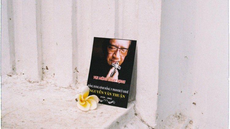 Viết tiếp hy vọng cho đất Việt cùng cố Hồng Y Nguyễn Văn Thuận