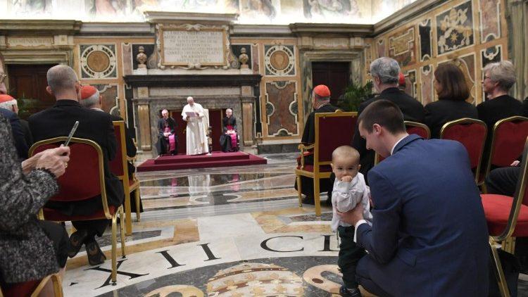 ĐTC tiếp Hội nghị của Bộ Giáo dân, Gia đình và Sự sống