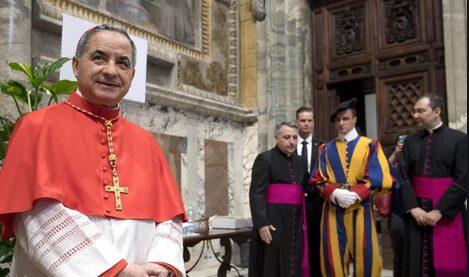 Hồng y Becciu muốn được bồi thường vì không thể trở thành giáo hoàng