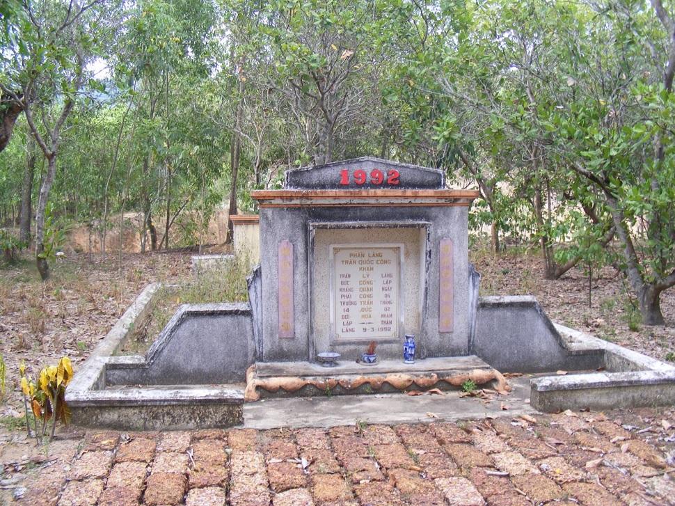 Ông bõ đỡ đầu công cuộc Truyền Giáo ở cư sở Nước Mặn và Bà đỡ khai sinh chữ Quốc Ngữ - tt