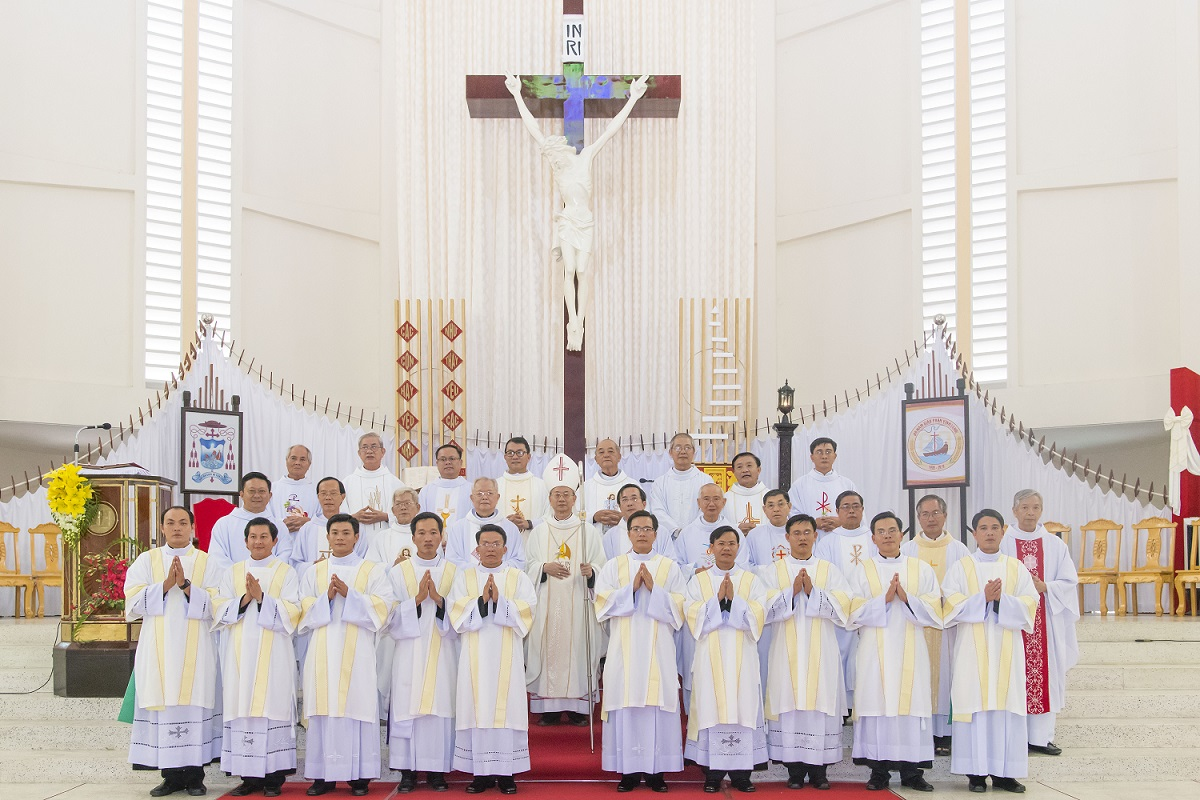 Thánh lễ phong chức phó tế.