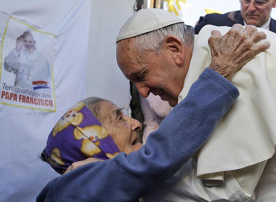 Bảy điểm quan trọng trong sứ điệp của Đức Giáo hoàng nhân Ngày Thế giới Người nghèo.