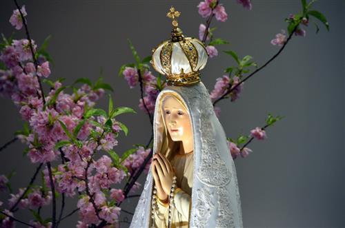 Bức tượng Mẹ Fatima