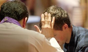 Buộc xưng tội trong mùa Chay không ?