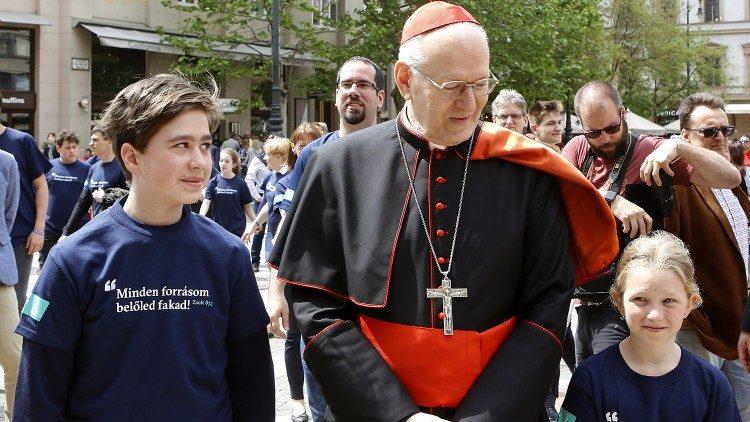 Các giáo phận Hungary chia sẻ ngày hội yêu thương với 5 ngàn người nghèo