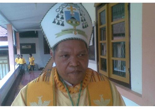 Các linh mục Indonesia yêu cầu Vatican can thiệp vào vụ xung đột với đức giám mục