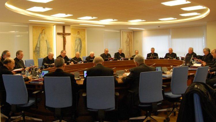 Các tín hữu Tây Ban Nha gia tăng giúp Giáo hội