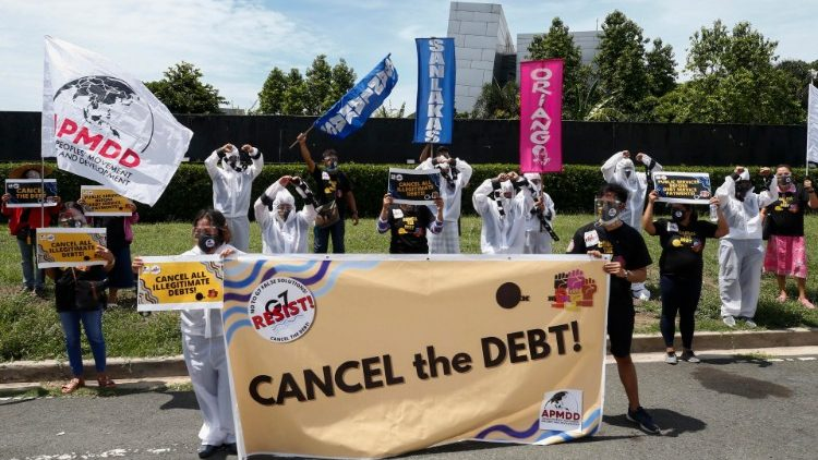 Caritas Quốc tế kêu gọi G7 xóa nợ cho các nước nghèo