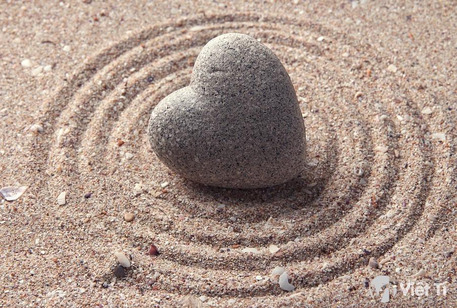 Cát và đá
