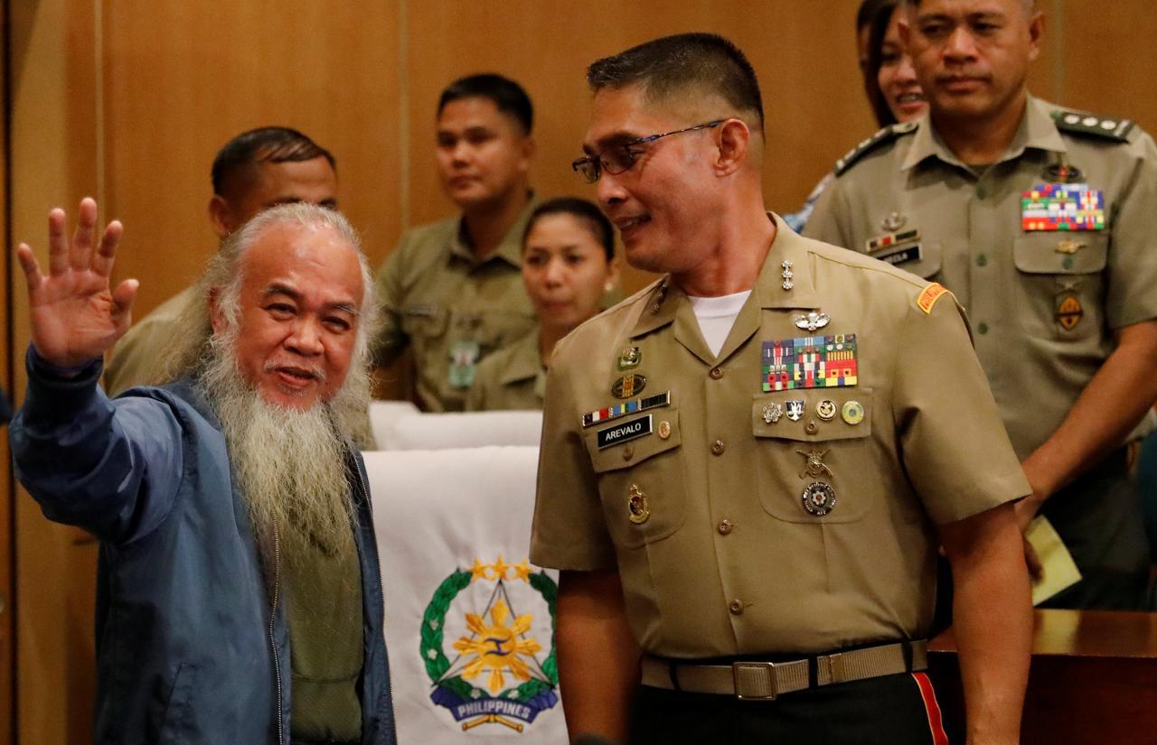 Cha Chito đã được cứu thoát khói tay bọn Hồi Giáo Philippine