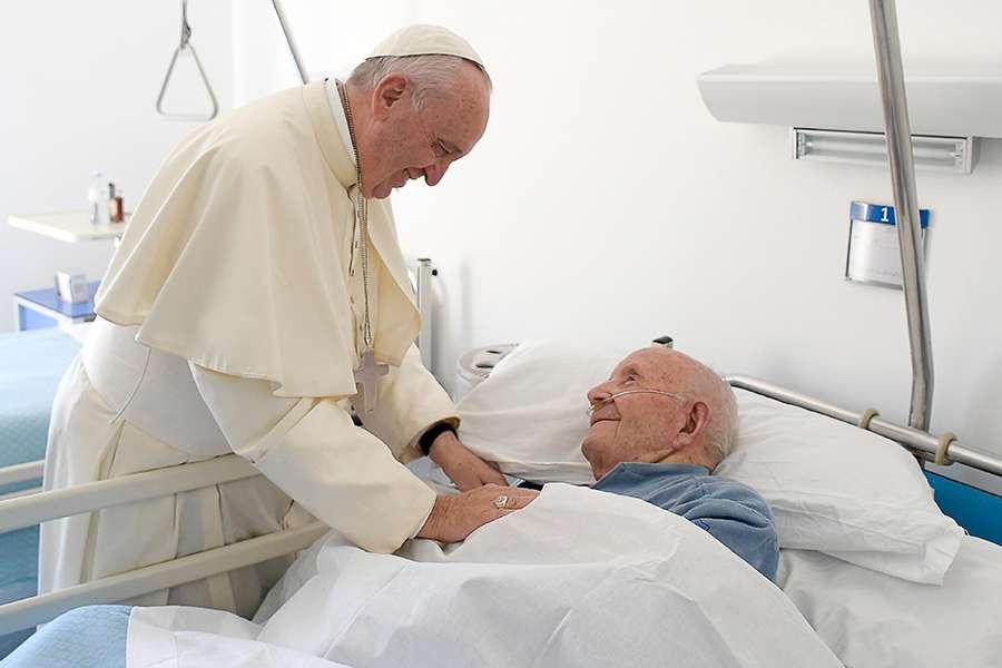 Chia sẻ việc cử hành Bí tích xức dầu bệnh nhân ở bệnh viện