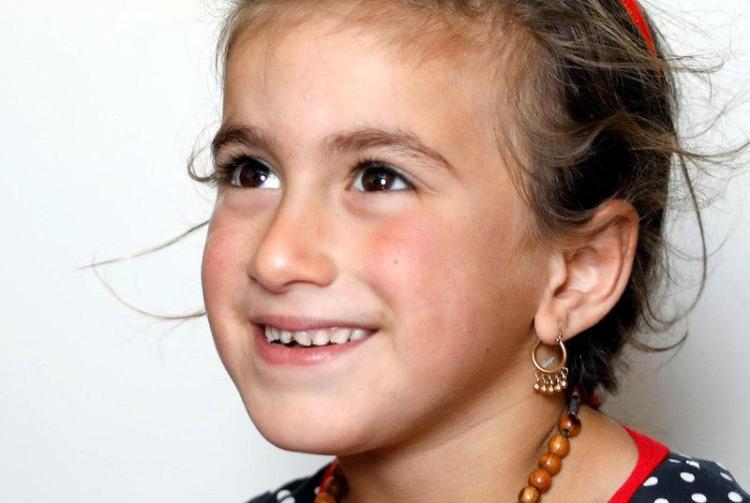 Christina, 6 tuổi, được Quân đội Irak giải thoát