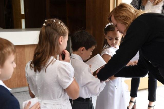 Chuẩn bị cho trẻ em bắt đầu học giáo lý như thế nào?