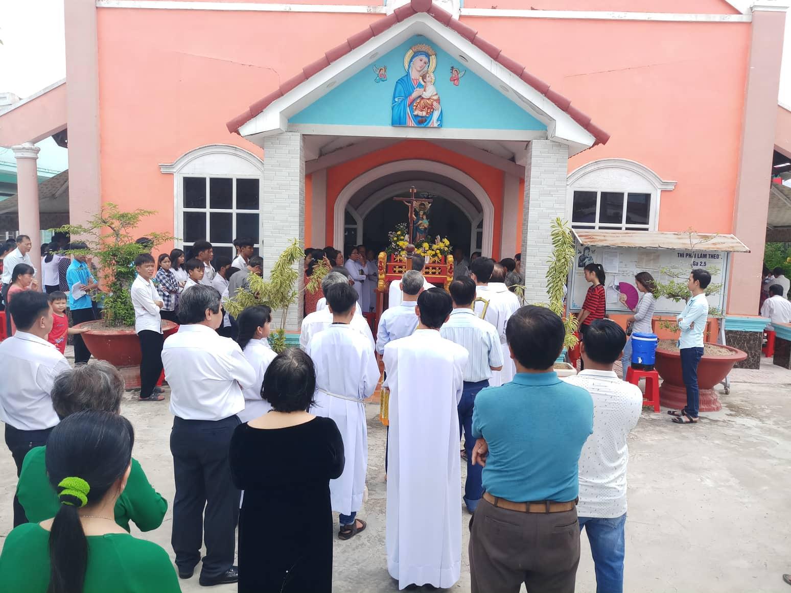 Cộng đoàn Dòng Chúa Cứu Thế Mỹ Thuận : Mừng Lễ Mẹ Hằng Cứu Giúp