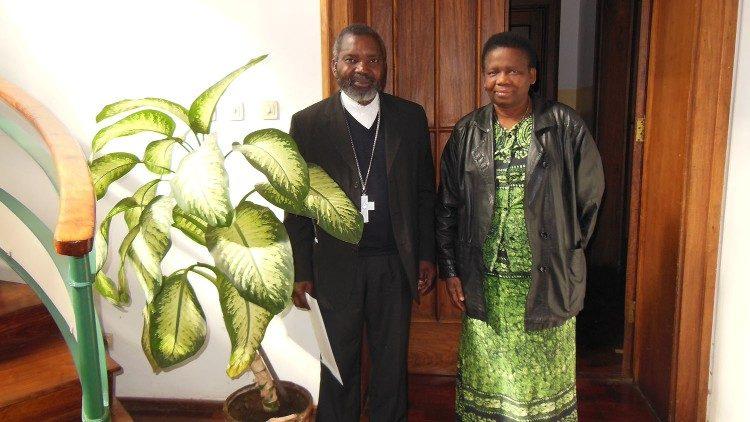 Olinda Mugabe, người mẹ của các trẻ mồ côi Mozambique
