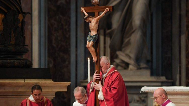 Vatican hướng dẫn cử hành Phục sinh trong thời gian đại dịch