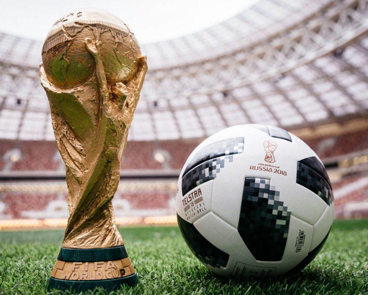 """Cúp bóng đá thế giới: người Nga được yêu cầu theo học """"lớp cười"""""""
