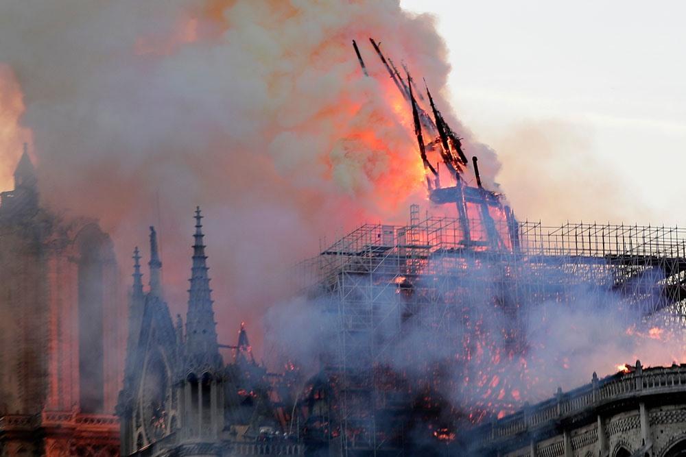 Đám cháy Nhà thờ Đức Bà Paris và suy niệm về nỗi đau của sự mất mát