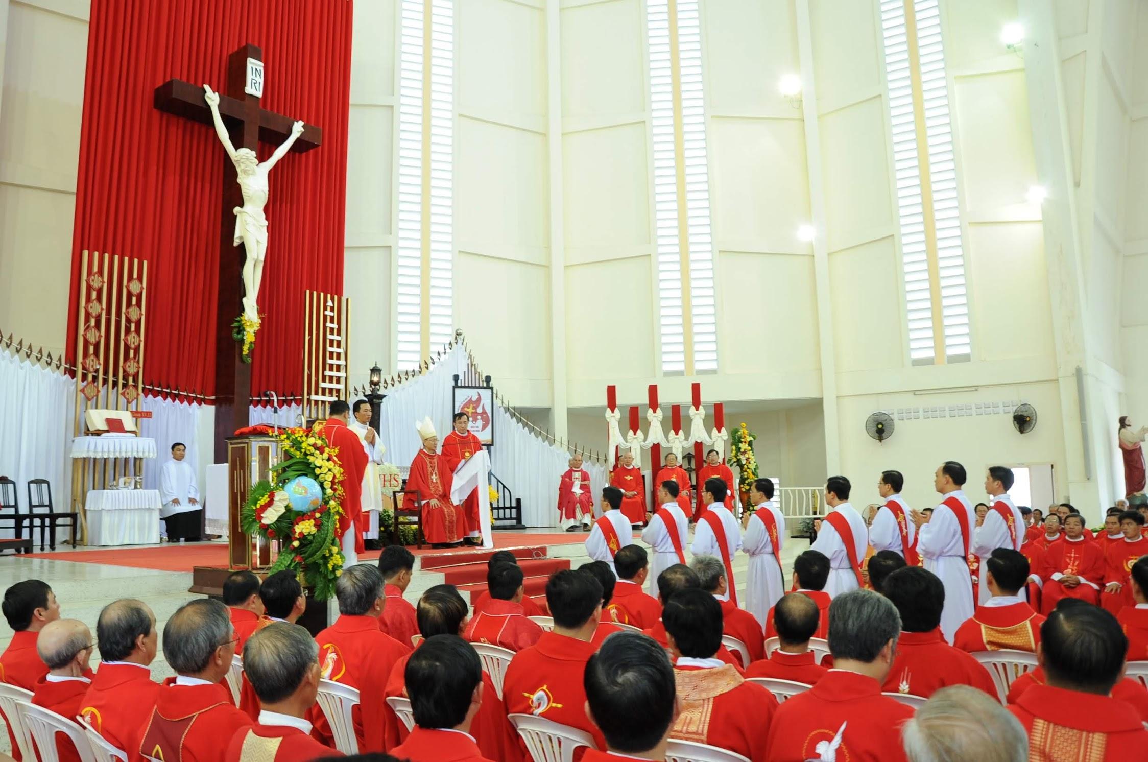 Giáo phận Vĩnh Long: Thánh Lễ phong chức linh mục