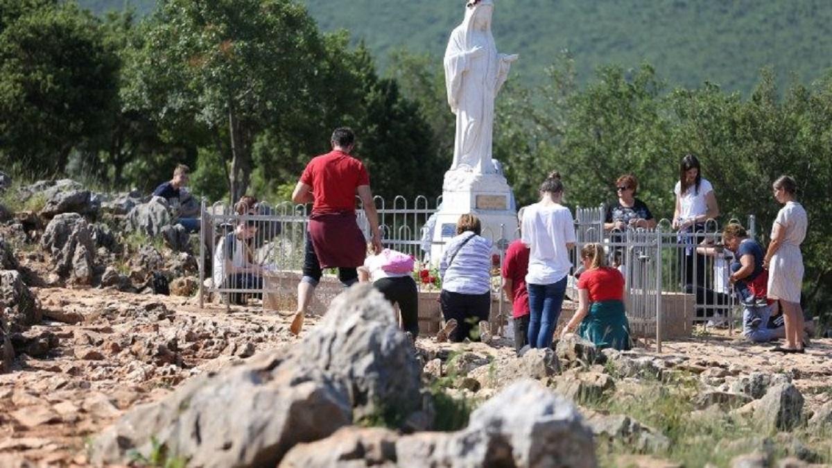 Đền thánh Đức Mẹ Mễ Du vắng khách hành hương vì đại dịch Covid-19