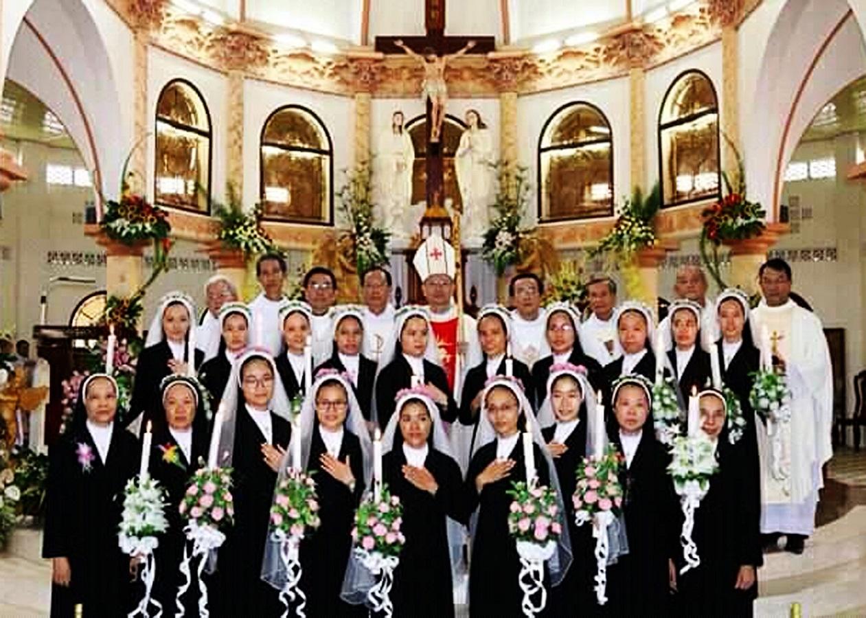 Dòng Mến Thánh Giá Cái Nhum: Hồng ân thánh hiến
