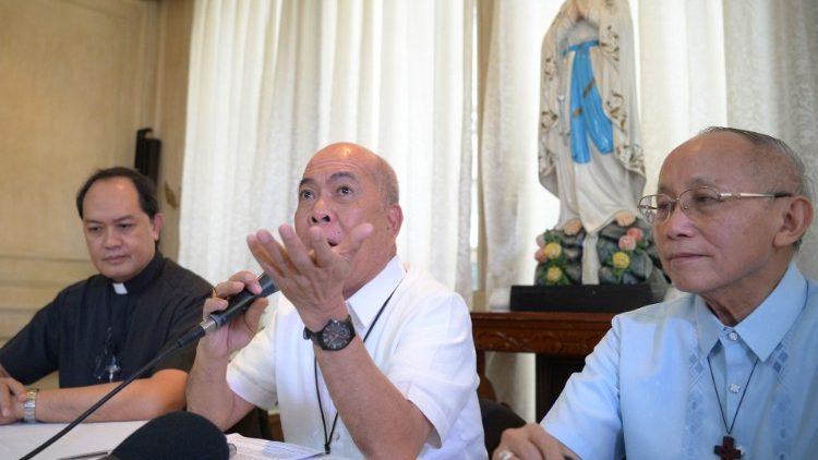 29 đài phát thanh Công giáo ở Philippines được gia hạn phép