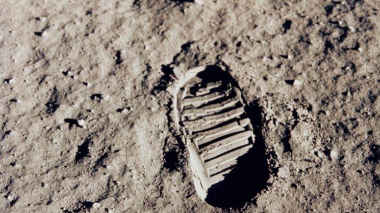 Theo Đức Phanxicô, phẩm giá của kẻ yếu là mục tiêu còn lớn hơn mặt trăng