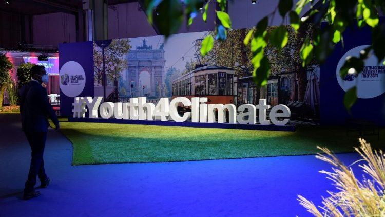 ĐTC Phanxicô mời các bạn trẻ tìm giải pháp khôn ngoan cho hành tinh