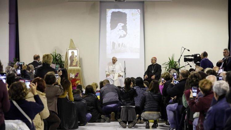 ĐTC thăm trung tâm Caritas ở Roma