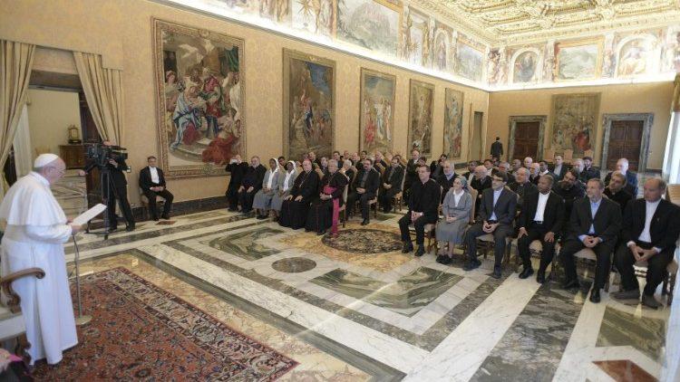 ĐTC tiếp Tổng tu nghị Hội thừa sai Milano (PIME)