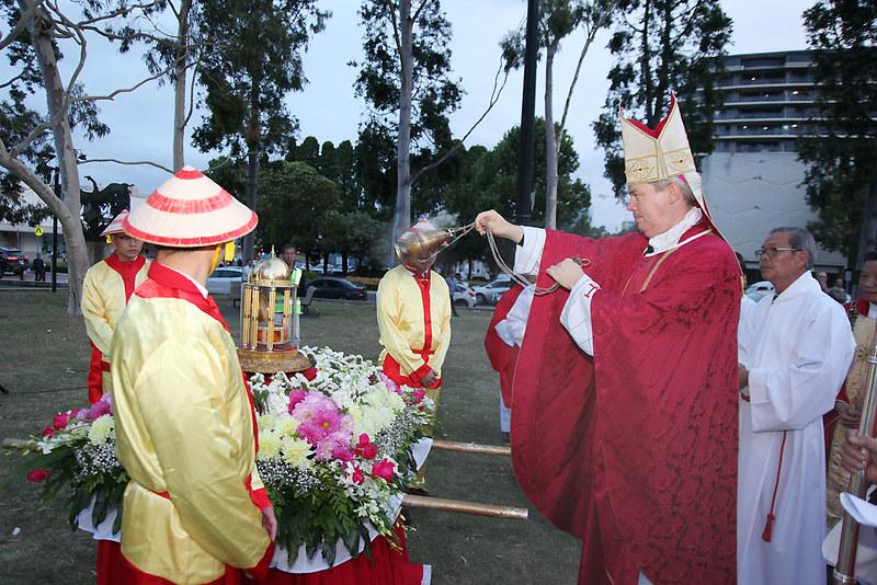 Đức Giám Mục Richard Umbers Chủ tế Đại Lễ Các Thánh Tử Đạo Việt Nam tại Sydney