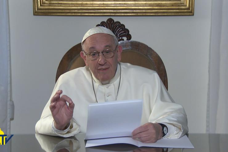 Đức Giáo Hoàng Phanxicô Chứng Kiến Phép Lạ Mình Thánh Chúa Kitô