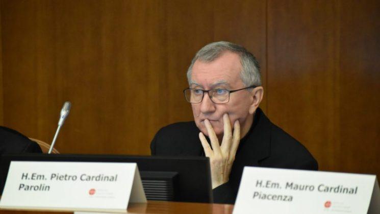 Đức Hồng Y Parolin lấy làm tiếc về sự thù nghịch đối với giáo huấn của giáo hoàng
