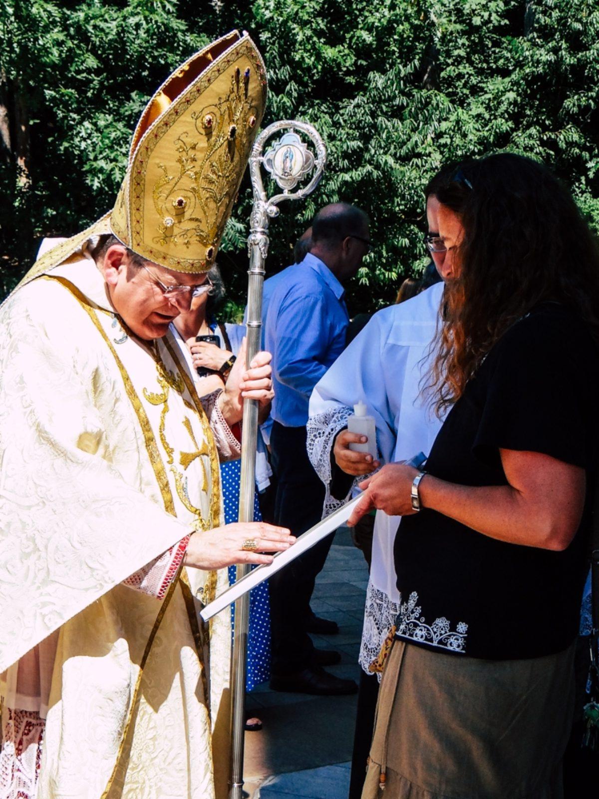 Đức Hồng Y Raymond Leo Burke khánh thành trang Web cá nhân của ngài