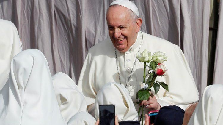 Đức Maria, hiền mẫu và gương mẫu của linh mục