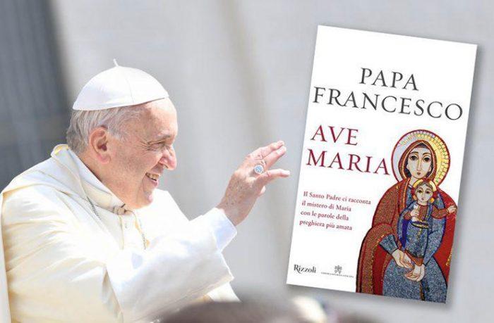 """Đức Phanxicô: """"Mẹ Maria, người phụ nữ bình thường"""""""