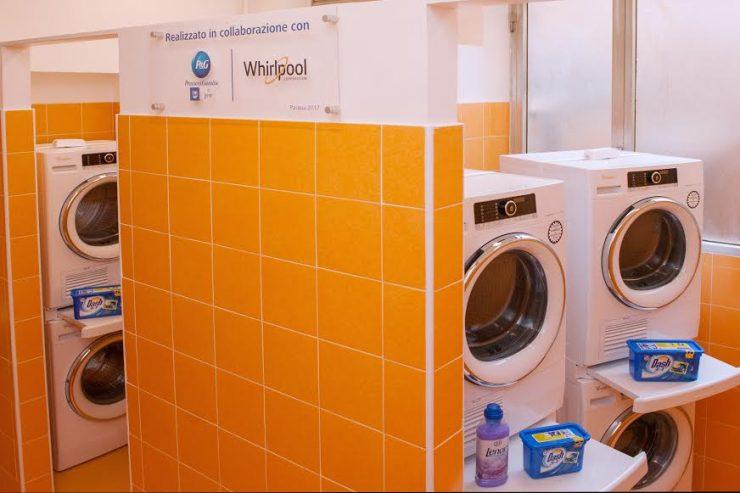 Đức Phanxicô tặng máy giặt cho người vô gia cư ở vùng Ostia