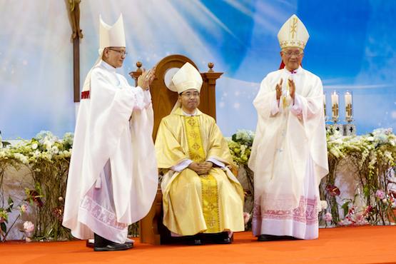 Đức tân giám mục làm lễ nhậm chức tại giáo phận Jeongju