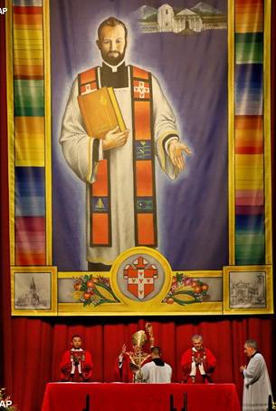 Đức Thánh Cha ca ngợi tấm gương can đảm của Chân Phước Rother